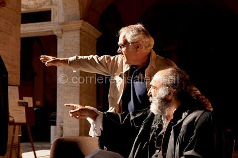 Mimmo-Paladino-e-Alessandro-Haber-sul-set-di-Labyrinthus---ph-Pasquale-Palmieri