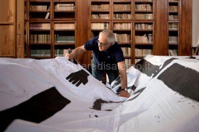 Mimmo-Paladino-lavora-alla-scenografia-di-Labyrinthus---ph-Pasquale-Palmieri