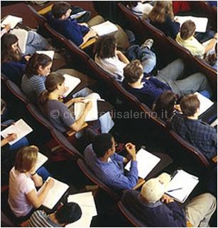 http://www.corrieredisalerno.it/wp-content/uploads/2013/09/studenti.jpg