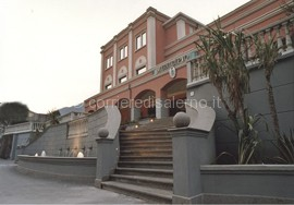 Giffoni_Valle_Piana_Municipio_2