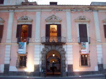 maiori-il-palazzo-mezzacapo1