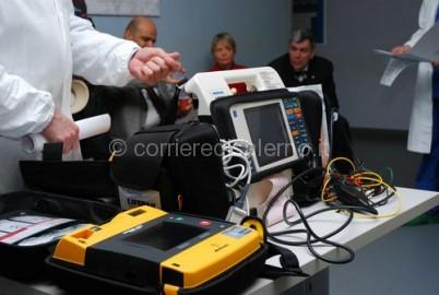 resized-defibrillatoreLifePak12
