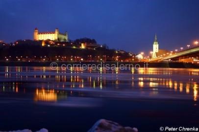 Bratislava di notte