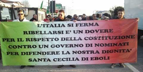 Santa-Cecilia---eboli--manifestazione-contro-il-Governo