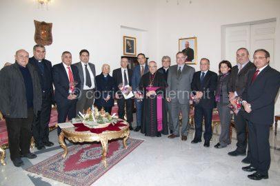 foto  Vescovo con i Sindaci