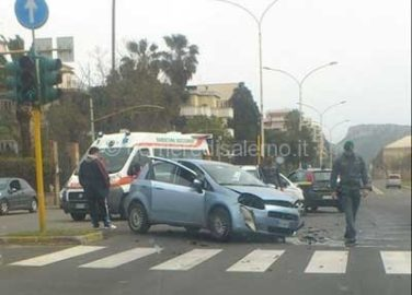 incidente_stradale_salerno_vallo