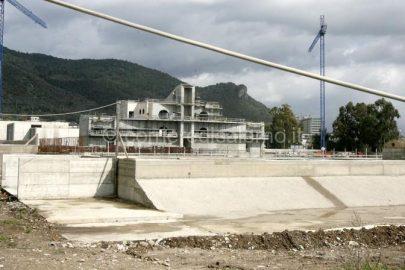 salerno : cantiere palazzetto dello sport chiuso