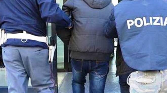 La Polizia arresta spacciatore droga