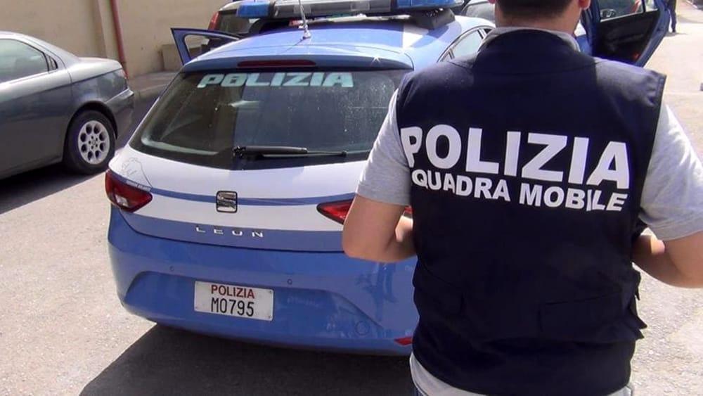 Polizia - la squadra mobile in azione